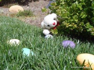 Shinazy_BOBBblog_EasterNest_ALvin-egg-hunt